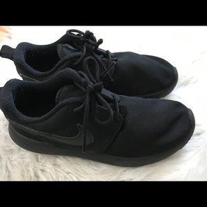 Black nike size 3 great condition